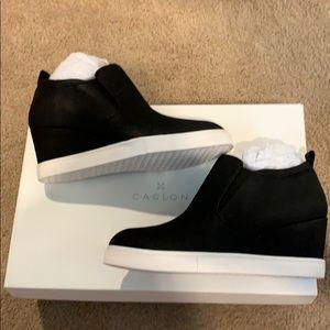 New w box Caslon black wedge sneaker 6.5